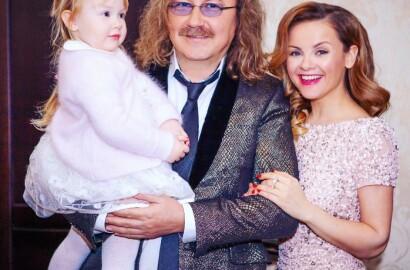 Игорь Николаев хочет ограничить общение своей супруги с дочерью