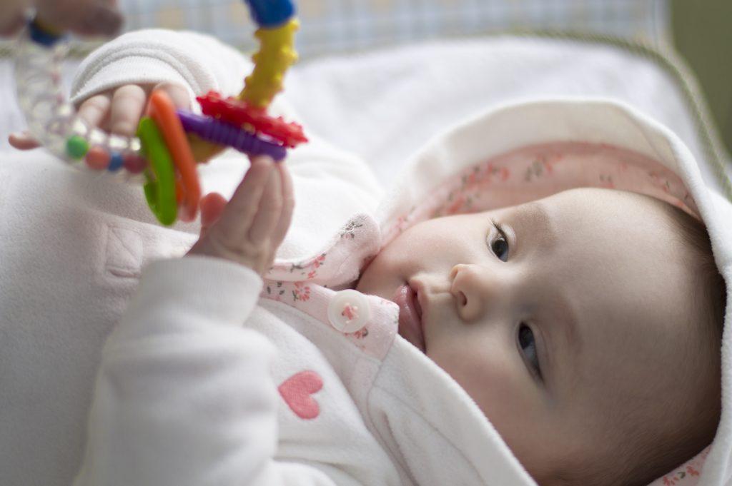 Развивающие игры с ребенком 5 месяцев